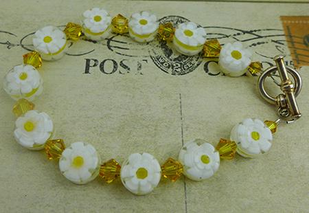 Free Design Yellow Daisy Bracelet