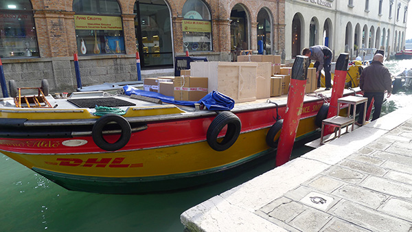 dhl_delivery_boat